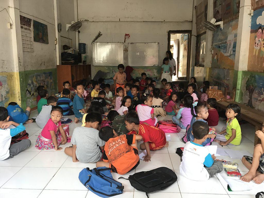 Volontariato in Indonesia con AIESEC per migliorare la qualità dell'educazione.